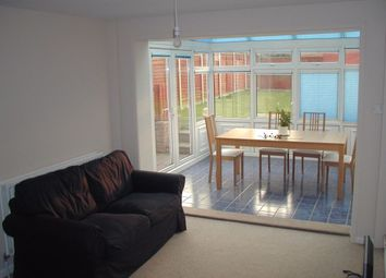 Thumbnail Room to rent in Room 2, Lind Close, Earley