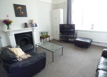 Thumbnail 1 bedroom flat to rent in Orchard Gardens, Teignmouth, Devon