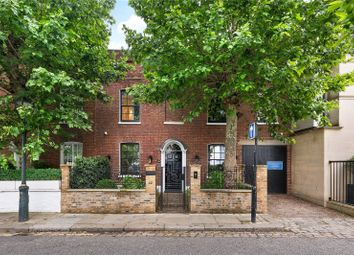 Glebe Place, Chelsea, London SW3. 3 bed detached house