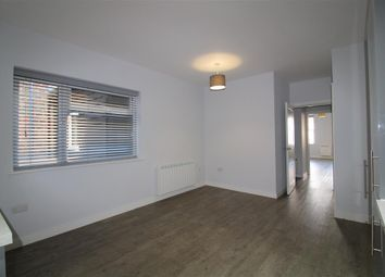 Thumbnail 2 bed flat to rent in St. Ives Road, Maidenhead