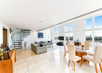 Vanguard Building, 18 Westferry Road, Canary Wharf, London E14. 3 bed flat