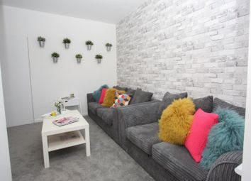 Thumbnail 6 bed shared accommodation to rent in Chiltern Rise, Luton
