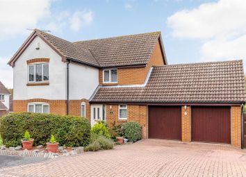 Thumbnail 4 bed detached house for sale in Horseshoe Close, Billericay