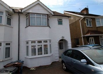 Thumbnail 2 bed flat for sale in Oakleigh Avenue, Edgware, Middlesexs