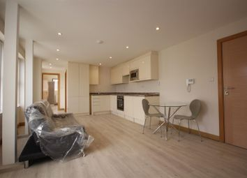 Thumbnail 2 bed flat to rent in North Acton Road, North Acton