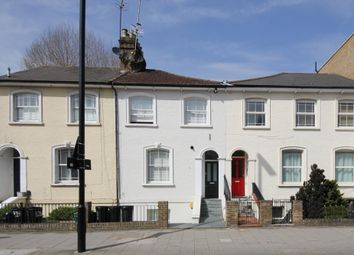 2 bed flat to rent in Chiswick High Road, London W4