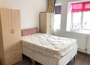 Thumbnail 4 bed flat to rent in Burnt Oak Broadway, Burnt Oak, Edgware