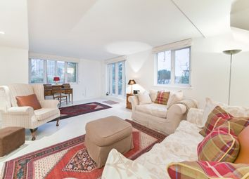Thumbnail 4 bed flat for sale in Newington Causeway, London