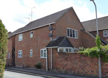 2 bed flat to rent in Victoria Road, Marlow SL7