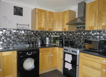 Thumbnail 2 bedroom town house for sale in Barwick Road, Leeds
