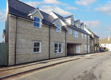 Thumbnail 2 bed flat to rent in The Crofts, Witney, Oxfordshire