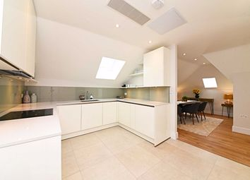 3 bed flat for sale in Tenterden Grove, Hendon, London NW4