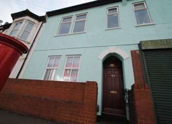 Thumbnail 2 bedroom flat for sale in Queens Road, Southend-On-Sea
