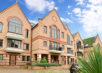 2 bed flat for sale in Whyteleafe Hill, Whyteleafe, Surrey CR3