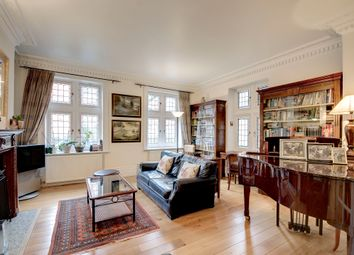 Thumbnail 3 bed flat for sale in Kensington Court, London