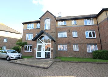 Thumbnail 1 bed flat to rent in Cotswold Way, Worceser Park, Surrey