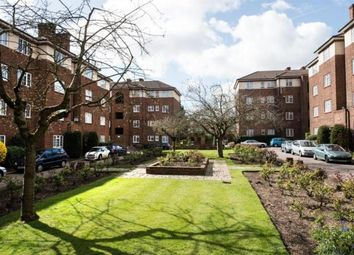 Thumbnail 1 bed flat to rent in Danescroft, Brent Street, Hendon