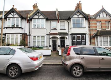 2 bed maisonette to rent in Woodland Road, London E4