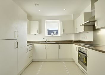 Thumbnail 1 bed flat to rent in Hunting Place, Heston