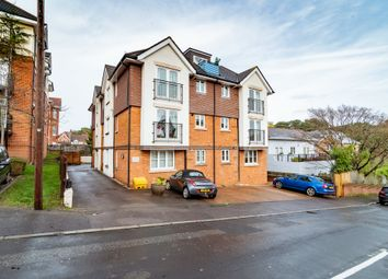 2 bed flat to rent in Earle Road, Westbourne, Bournemouth BH4