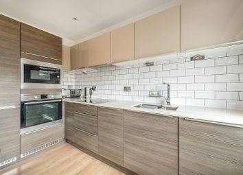 Sovereign House, Twickenham TW1. 2 bed flat for sale