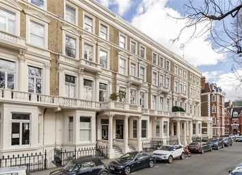 Thumbnail 1 bed flat to rent in Earl's Court Square, London