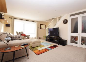 2 bed maisonette to rent in The Wilderness, Hampton Hill, Hampton TW12