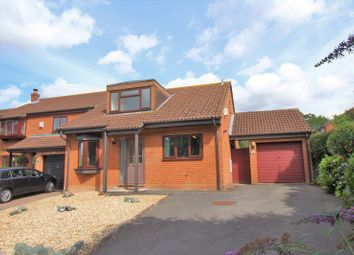 Thumbnail 3 bed detached house for sale in Cambrian Way, Calcot, Reading