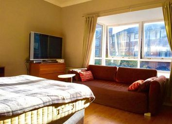 Thumbnail Room to rent in 62 Barnfield Place, London