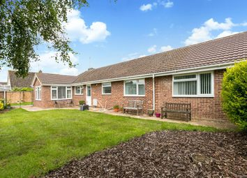 Thumbnail 3 bedroom bungalow for sale in Hungerford Drive, Furze Platt, Maidenhead, Berks