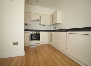 1 bed flat to rent in Oak Road, Leatherhead KT22