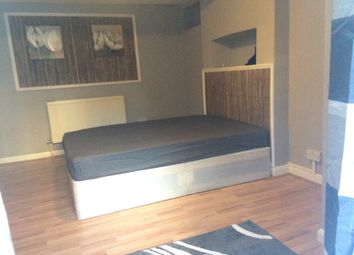Thumbnail 2 bed flat to rent in Newick Road, Hackney