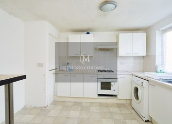 4 bed flat to rent in Barrowfield Close, London N9