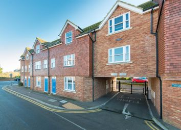 Thumbnail 2 bedroom flat for sale in Quex Road, Westgate-On-Sea