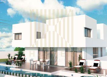 Thumbnail 4 bed detached house for sale in Carnaxide E Queijas, Carnaxide E Queijas, Oeiras