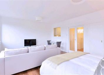 Thumbnail Property to rent in Luke House, Westminster, London