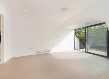 Thumbnail 2 bedroom flat for sale in Ashmount Lodge (Pinnacle), Muswell Hill, London