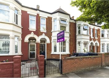 Thumbnail 2 bed flat for sale in Murray Road, Ealing