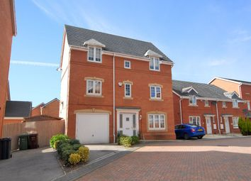 4 Bedrooms Detached house for sale in Topliss Way, Leeds LS10