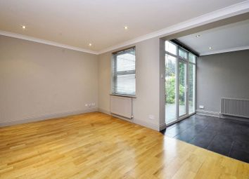 3 bed property to rent in Green Bank, Finchley, London N128As N12