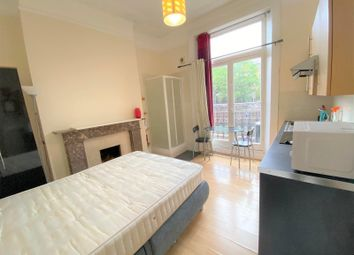 Thumbnail Studio to rent in Barons Keep, Gliddon Road, London