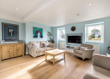 Thumbnail 2 bedroom flat to rent in Boutflower Road, London