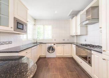 3 bed maisonette to rent in Wadham Gardens, Primrose Hill, London NW3