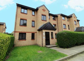 1 bed flat to rent in Woodfield Close, Enfield EN1