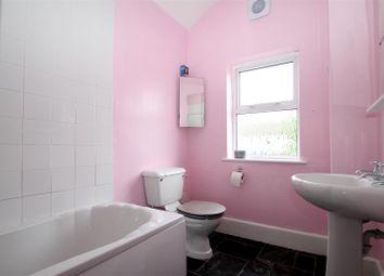 2 bed property to rent in Five Ash Road, Northfleet, Gravesend DA11