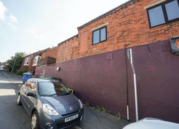 2 bed flat to rent in Chorley New Road, Horwich, Bolton BL6