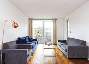 Thumbnail 1 bed flat for sale in De Beauvoir Crescent, London