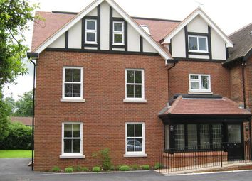 Thumbnail 2 bed flat to rent in The Avenue, Tadworth