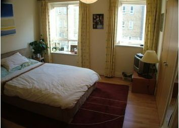 Thumbnail Room to rent in St. Davids Square, London, Greater London