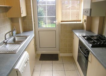 Thumbnail 2 bed property to rent in Beverley Gardens, Maidenhead